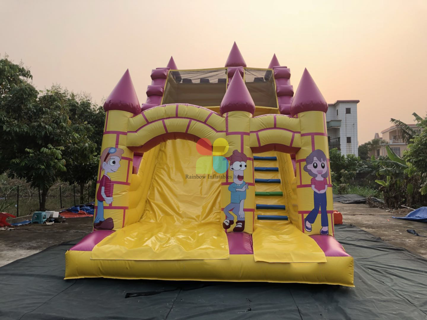 Inflatables Disney Castle Slide for Outdoor And Indoor
